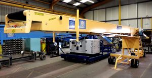 mobile conveyor for loading and unloading pasta
